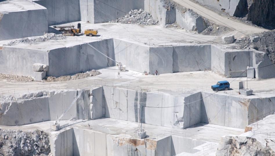 Carrara Quarries: the marble of Michelangelo